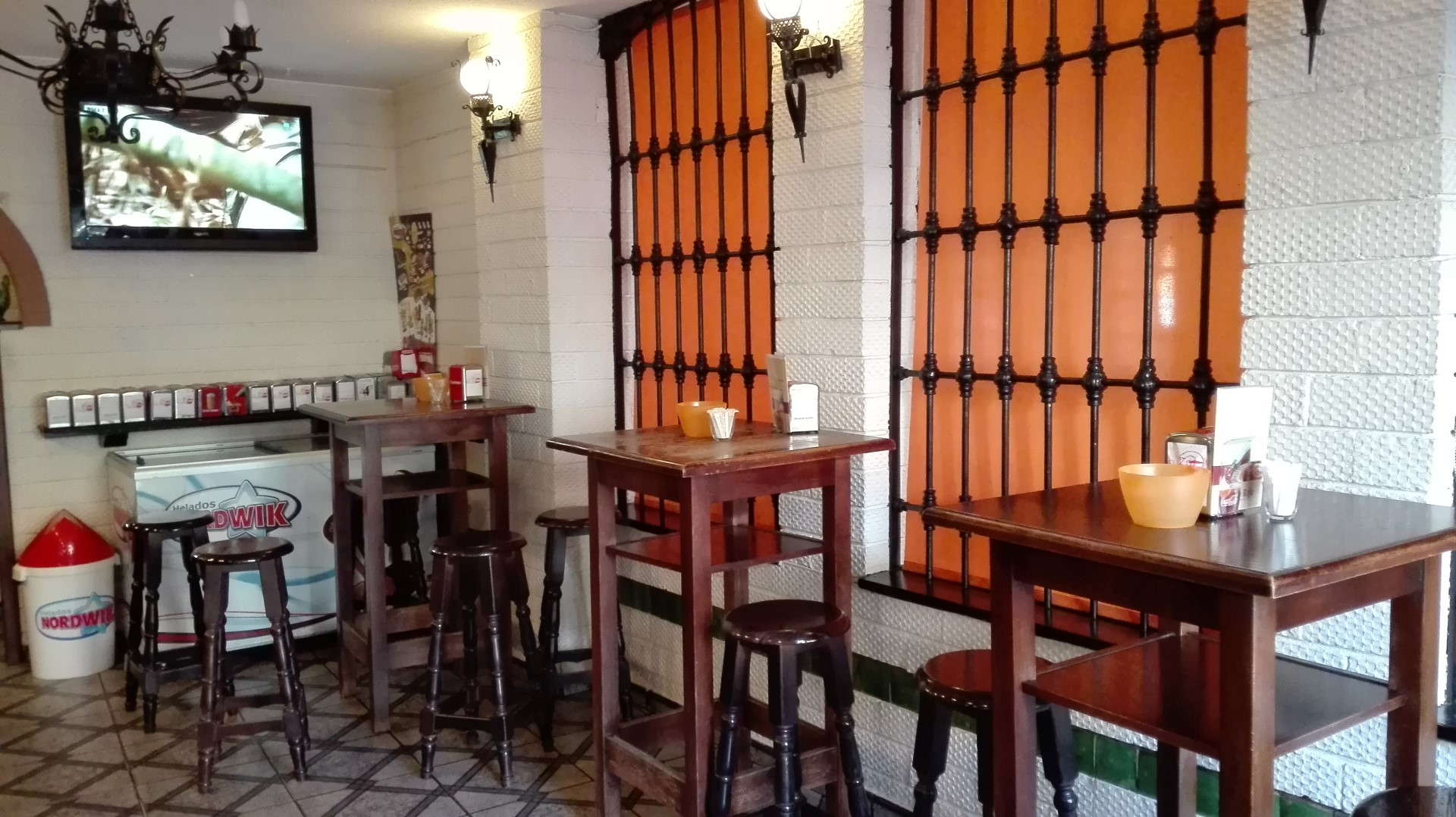 Restaurante El Gallo Rojo Beda Applicaja N # Muebles Millan Ubeda