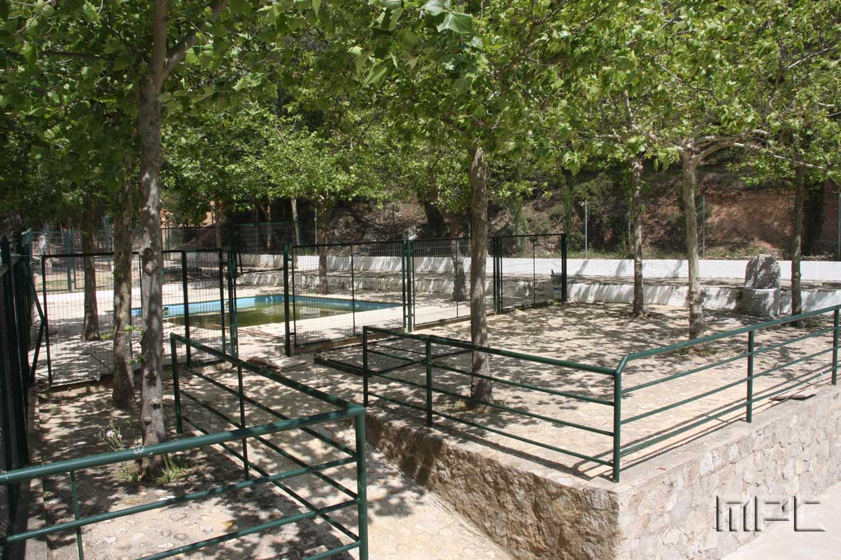 La piscina de orcera simple casa el castillo en orcera ja for Piscina municipal de orcera
